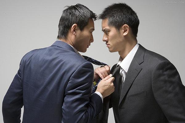 遇到爱抢功的同事怎么办?